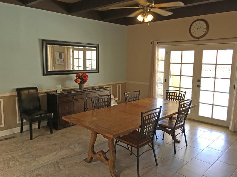 Vista Sandia Dining Room